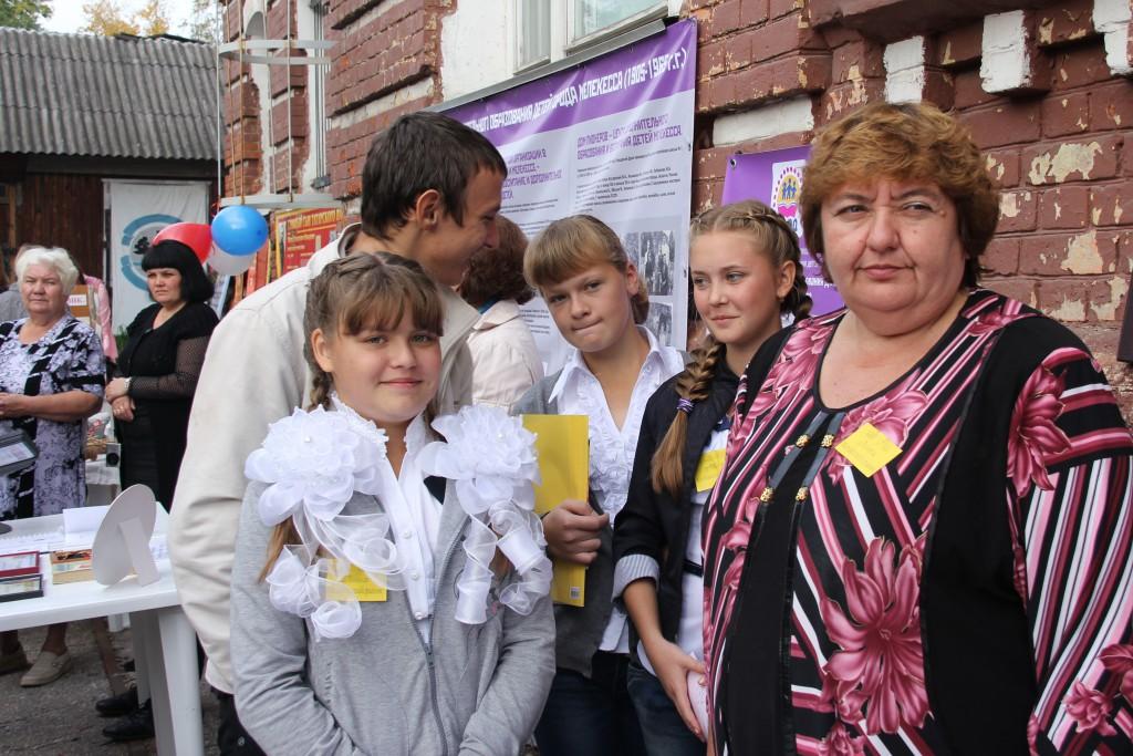 Постоянные участники фестиваля - музей школы с.Тиинска во главе с руководителем Гришиной Г.П.