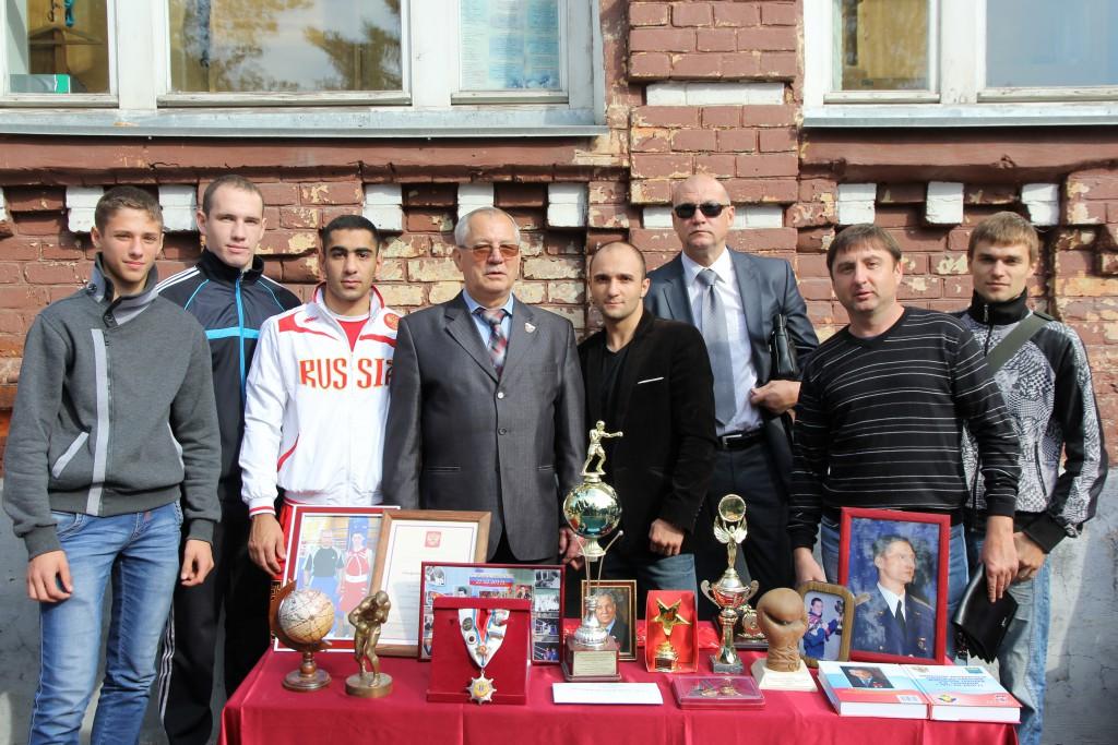 Почетный гражданин города, руководитель Школы бокса олимпийского резерва А.В.Гришин с презентацией своей школы